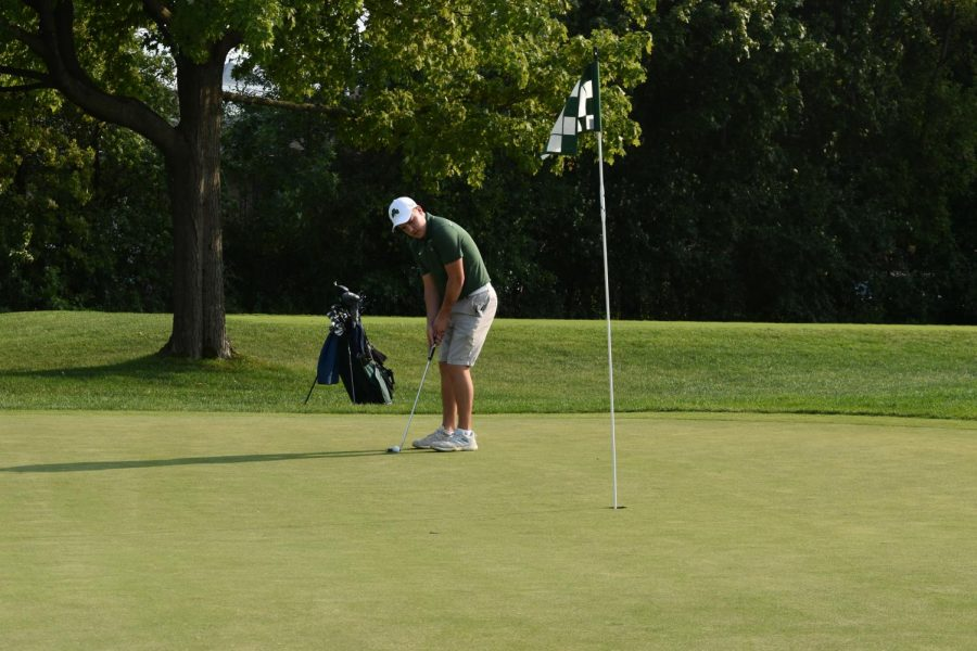 Shamrock Golf defeats ESCC rival Marian Catholic; Laboe finishes second